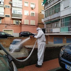 El Ayuntamiento amplía su plan de desinfección de la ciudad incorporando más medios de limpieza